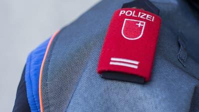 Vier Schwyzer Polizisten sollen Mann zu hart angefasst haben – Beschreibungen widersprechen sich vor Gericht