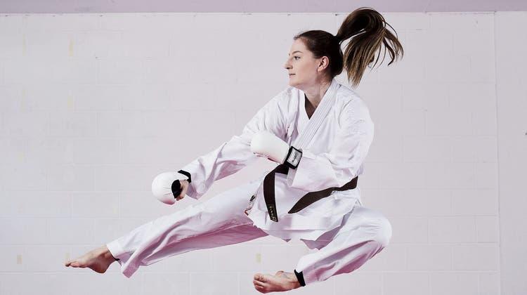 Die Schötzer Karateka SelinBagderelliwird Europameisterin mit dem U18-Team