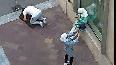 Gegenein«Ticinistan»:Burka-Bekämpferwill ein Betverbotfür Muslime