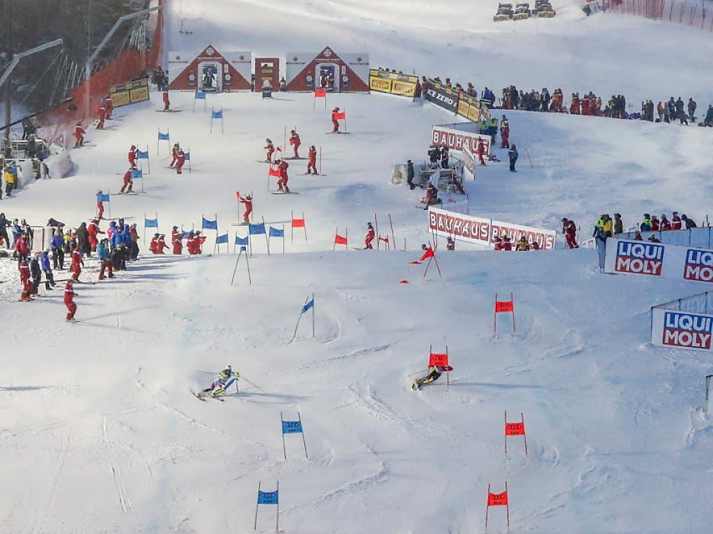 Parallel-Slalom - ein Format wie gemalt für Holdener und Zenhäusern (Bild: KEYSTONE/EPA/VALDRIN XHEMAJ)