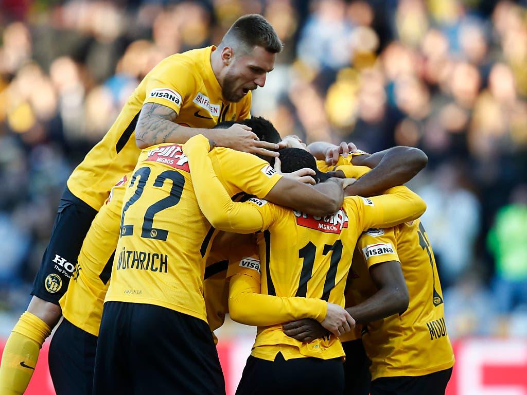 YB zieht an der Tabellenspitze der Super League einsam seine Kreise und schlug den FC Zürich 2:0 (Bild: KEYSTONE/PETER KLAUNZER)