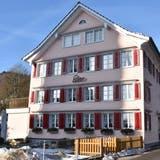 Das RestaurantBären in Mosnang liegt mitten im Dorfzentrum. Die Suche nach neuen Wirten gestaltet sich trotz der guten Lage schwierig. (Bild: Timon Kobelt)