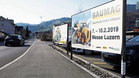 Für die Plakatierung gibt es in Sarnen künftig neue Spielregeln. (Bild: Jakob Ineichen, Sarnen, 19. Februar 2019)