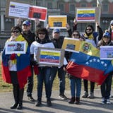 Venezolaner demonstrieren in der Schweiz gegen Maduro