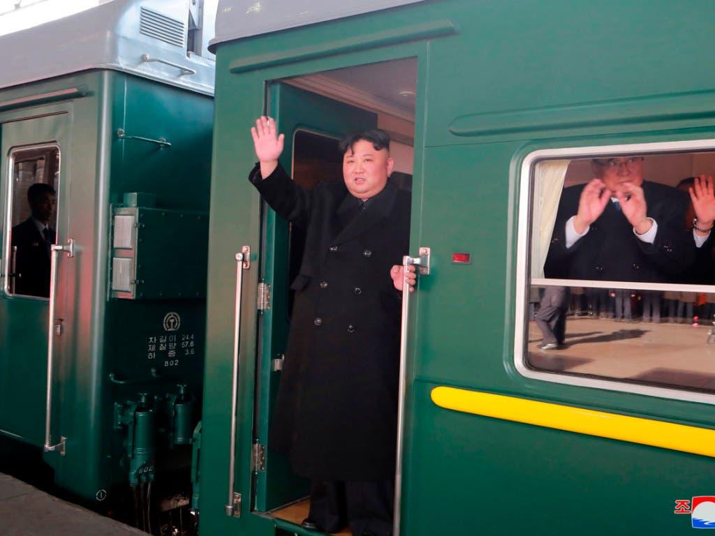 Nordkoreas Diktator Kim Jong Un ist mit seinem gepanzerten Sonderzug zum zweiten Gipfeltreffen mit US-Präsident Donald Trump kommende Woche in Vietnam aufgebrochen. (Bild: KEYSTONE/AP KCNA via KNS)