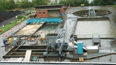 Ein Blick in die Abwasserreinigungsanlage (Ara) Steckborn. (Bild: Nana do Carmo, September 2002)