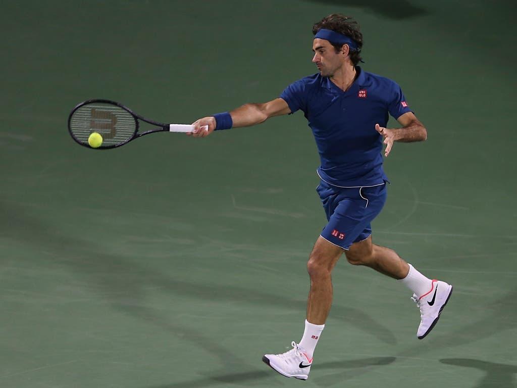 Roger Federer startete in Dubai gegen den Deutschen Philipp Kohlschreiber (Bild: KEYSTONE/AP/KAMRAN JEBREILI)