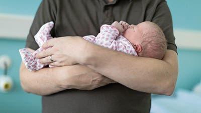 14 Wochen Vaterschaftsurlaub: Pharmariese Novartis bietet die längste Papizeit der Schweiz