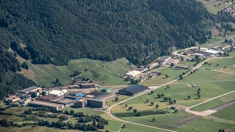 Das Betriebsareal der Pilatus Flugzeugwerke in Stans, fotografiert vom Stanserhorn. (Bild: Pius Amrein, 27. Juli 2018)