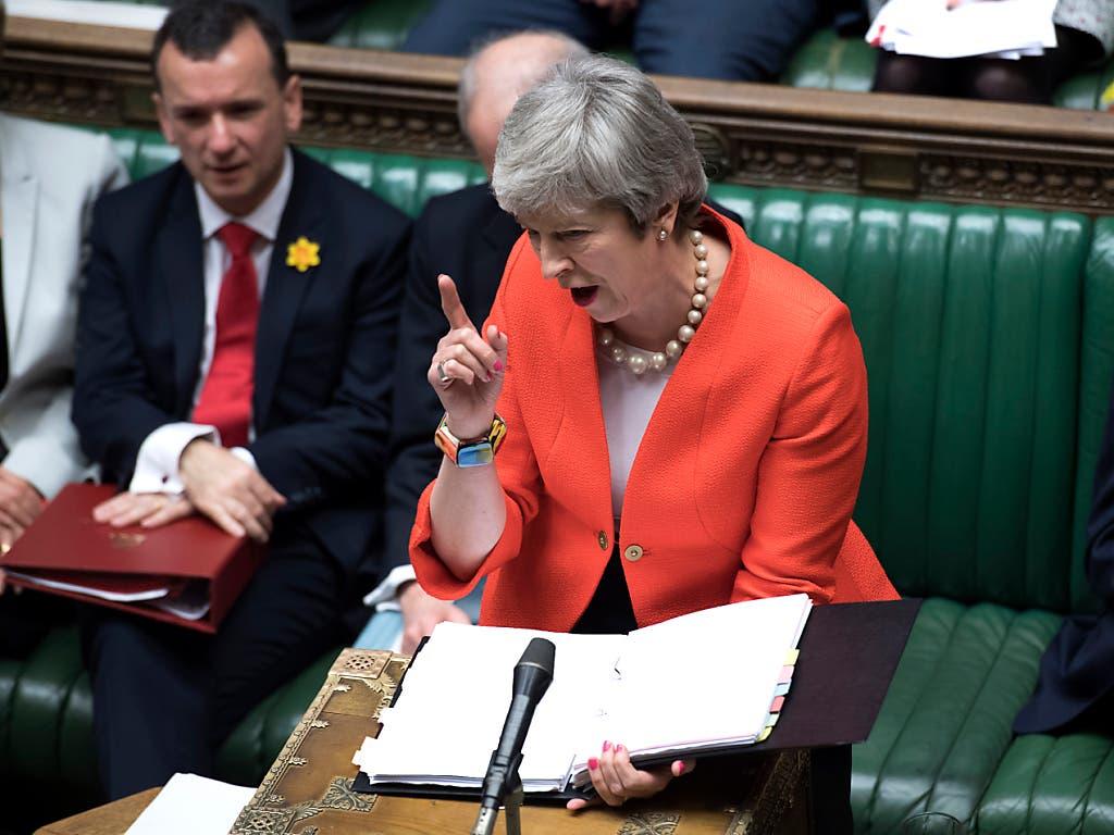 Die britische Premierministerin Theresa May spricht im britischen Unterhaus. Sie fand eine Mehrheit für eine mögliche Verschiebung des Brexit. (Bild: KEYSTONE/AP UK Parliament/JESSICA TAYLOR)