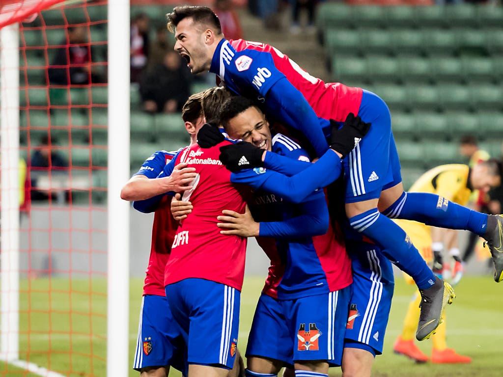 Der FC Basel glich in der Schlussphase der Partie einen 0:2-Rückstand innert sechs Minuten wieder aus (Bild: KEYSTONE/JEAN-CHRISTOPHE BOTT)
