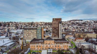 Seit 2016 ist das Areal des Kantonsspitals St.Gallen eine Grossbaustelle. Nun beginnen die Arbeiten am Hauptgebäude 07A. (Bild: Michel Canonica)