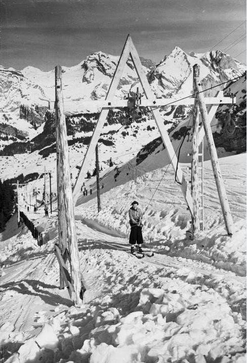 Eine Skifahrerin im Gebiet Iltios-Stöfeli in Unterwasser im Jahr 1940. (Bild: Staatsarchiv des Kantons St.Gallen)