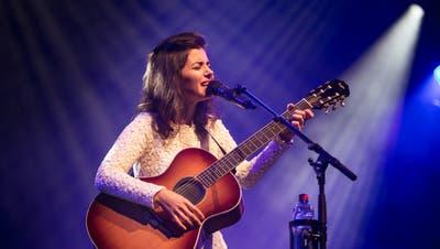 Katie Melua bei ihrem Auftritt am Blue Balls in Luzern. Bild: Manuela Jans-Koch (28.7.2016)