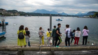 Bei Touristen gerade im Sommer sehr beliebt: Luzern ist international die erfolgreichste Alpen-Destination. (Bild: Dominik Wunderli (Luzern, 10. Juli 2018))