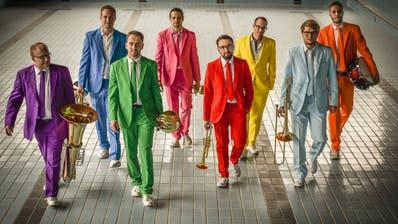 Die acht Musiker von «UnglauBlech». (Bild: PD)