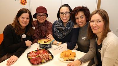 Bettina Eigenmann, Safa Al Thaher, Liz Tödtli, Graciela Carrion und Jelena Hutz. (Bild: Hana Mauder Wick)