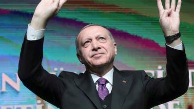Türkische Wirtschaft fällt in Rezession
