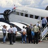 Ein Bild der Vergangenheit: Passagiere beim Besteigen einer Ju-52 der Ju-Air. (Bild: Keystone)
