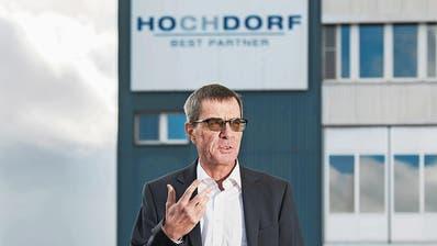 Im Gegenwind: Daniel Suter vor dem Firmenhauptsitz. (Bild: Eveline Beerkircher,Hochdorf, 13. März 2019)