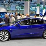 Tesla Modell 3 an der Auto Zürich im vergangenenNovember (Bild: Walter Bieri/Keystone)