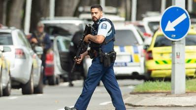 Attacke auf zwei Moscheen in Neuseeland ++ Mindestens 49 Tote ++ Premierministerin stuft Angriff als Terrorakt ein