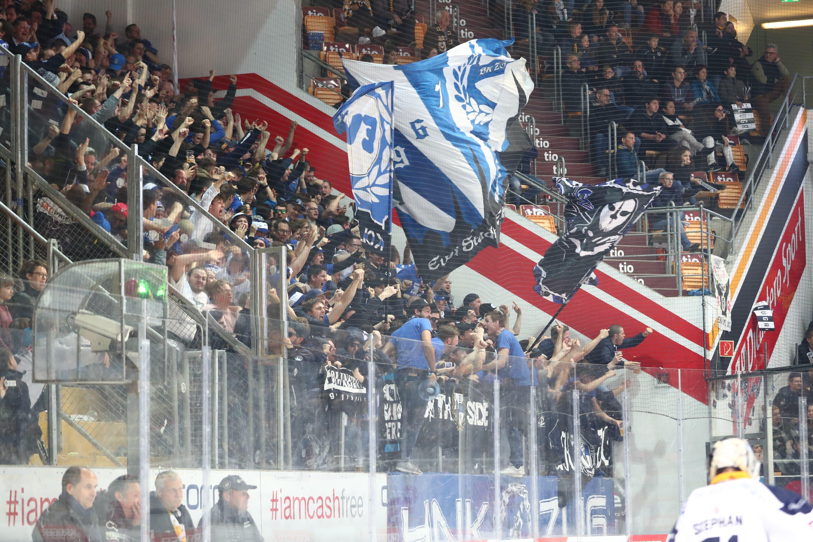 Zuger Fans in der Resega. (Bild: Marusca Rezzonico / Freshfocus, Lugano, 16. März 2019)