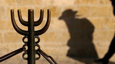 Immer wieder werden Juden zur Zielscheibe von antisemitischen Angriffen. (Bild: Keystone/Epa/Jim Hollander)