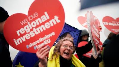 Britische EU-Befürworter demonstrieren in Sunderland für den Verbleib im Staatenbund. (Bild: Christopher Furlong/Getty, 16. März 2019)