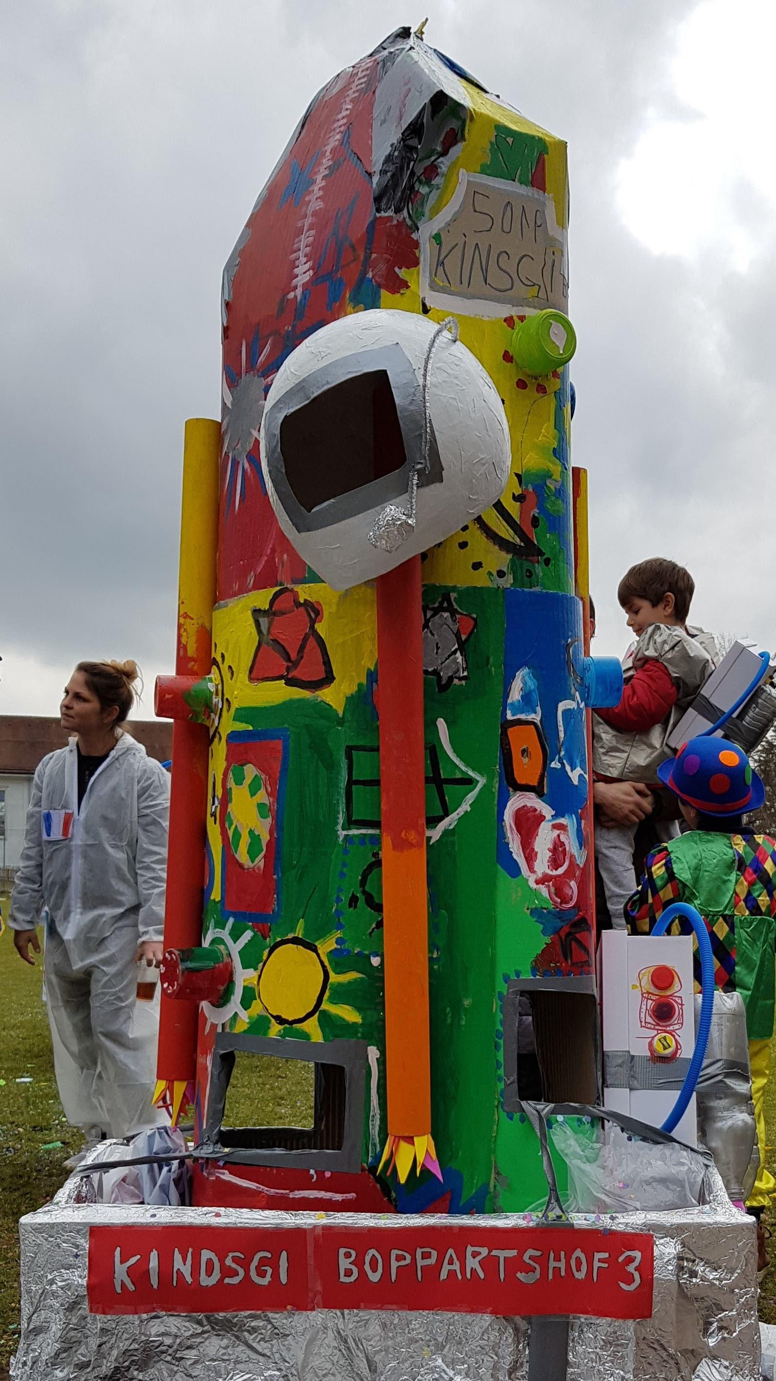 Natürlich hatten die Astronauten ihre Rakete mit dabei.