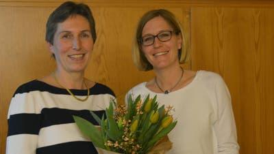 Ursula Leimer gibt nach sieben Jahren als Kirchenpflegerin ihren Posten an Tanja Gähler ab. (Bild: Judith Schuck)