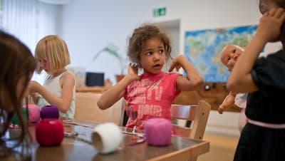 Der Luzerner Stadtrat will Kinder ab 3 Jahren bei Bedarf sprachlich fördern. (Symbolbild:Gaetan Bally/Keystone)
