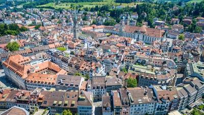 Die Geschichte der Stadt St.Gallen spiegelt sich auch in der historischen Bausubstanz der Stadt. Die Denkmalpflege ist verantwortlich für die Erhaltung der bedeutenden Gebäude. (Bild: Urs Bucher, 19. Juni 2017)