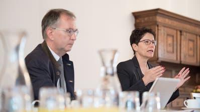 Finanzverwalter Daniel Odermatt und Finanzdirektorin Maya Büchi präsentierten die Jahresrechnung 2018. (Bild Pius Amrein, Sarnen, 28. März 209)