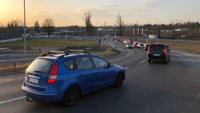 Täglich kommt es auf den Strassen rund um den A14-Anschluss Buchrain zur Verkehrsüberlastung. (Bild: PD/Gewerbeverein Buchrain-Perlen)