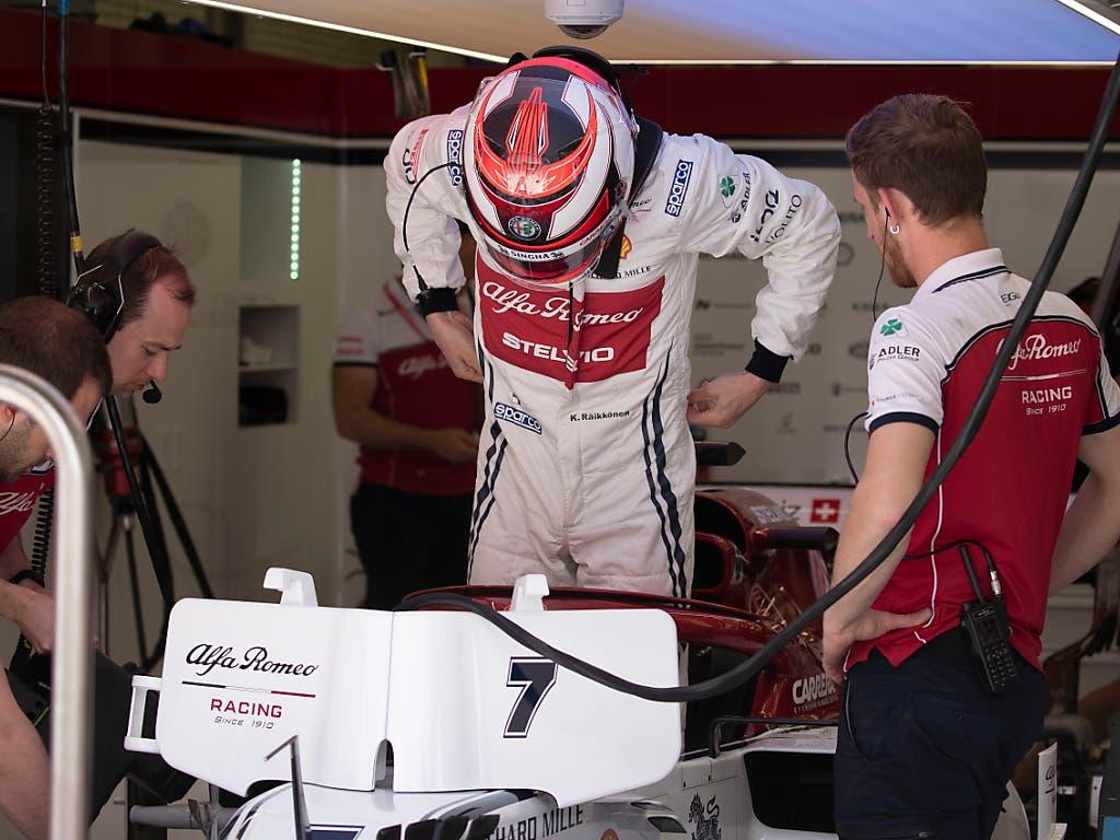Kimi Räikkönen kam im zweiten Training kaum zum Einsatz. Sein C38 von Alfa Romeo liess wegen Kühlungsproblemen nicht mehr als sechs Runden zu (Bild: KEYSTONE/EPA/SRDJAN SUKI)
