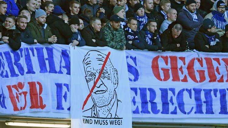 Die Hannover-Fans mögen ihren Geldgeber nicht. (Bild: Thomas Starke/Getty, Hannover, 1. Dezember 2018)