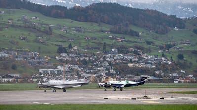Der Flugplatz Buochs: Nicht alle Anwohner sind glücklich über die Aktivitätenauf den Flugplatz. (Bild: Alexandra Wey/keystone)