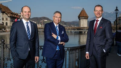 Die gewählten Regierungsräte Fabian Peter (FDP), Guido Graf (CVP) und Reto Wyss (CVP). (Bild: Philipp Schmidli)