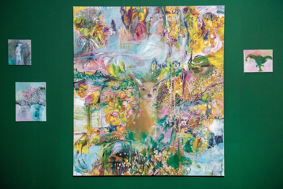 Claudia Keel malt in Schichten, ihre Bilder verändern sich laufend.