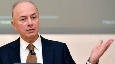 Dieter Weisskopf,  CEO von Lindt und Sprünglian der Bilanz - Medienkonferenz in Kilchberg. (Bild: Walter Bieri)