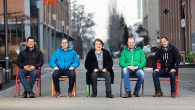Die EDU wirbt auf den Gruppenbildern mit den fünf aussichtsreichsten Kandidierenden der Listenplätze eins bis zehn: Peter Gansner, Lukas Dick, Marlise Bornhauser, Lukas Madörin und Hans Eisenhut. (Bild: PD)