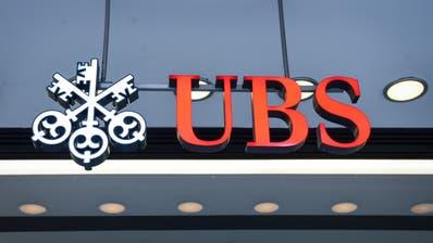 UBS-Logo am Hauptsitz am Paradeplatz. (Bild: Melanie Duchene, Keystone, 18. Januar 2019)