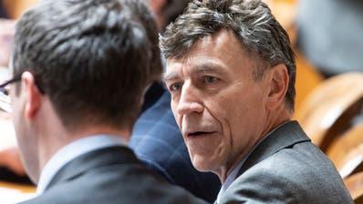 SVP-Nationalrat Luzi Stamm mit Falschgeld und Kokain im Parlament