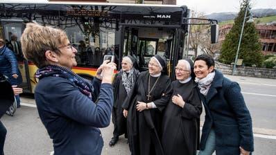 Ein Selfie mit Schwestern aus dem Melchtal, die neu ins Kloster in Sarnen einziehen. (Bilder: Pius Amrein, Sarnen, 7. März 2019)