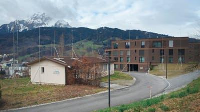 Anstelle des Kindergarten-Pavillons plant die Firma Auconia hier 18 Eigentumswohnungen. (Bild: Roman Hodel, Horw 8. März 2019)