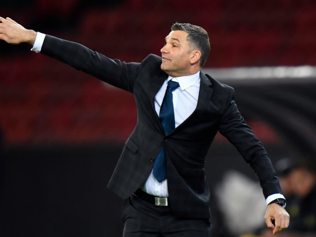Tomislav Stipic zeigte sich in seiner ersten Partie als Cheftrainer der Grasshoppers sehr aktiv, am Ende resultierte aber kein Punktgewinn (Bild: KEYSTONE/WALTER BIERI)