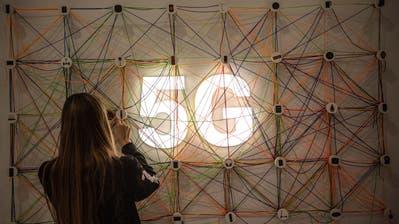 Gigaherz wirft der Mobilfunk-Branche vor, Sendeanlagen ohne Baubewilligung auf den 5G-Standard aufgerüstet zu haben. (Bild: David Ramos/Getty Images)