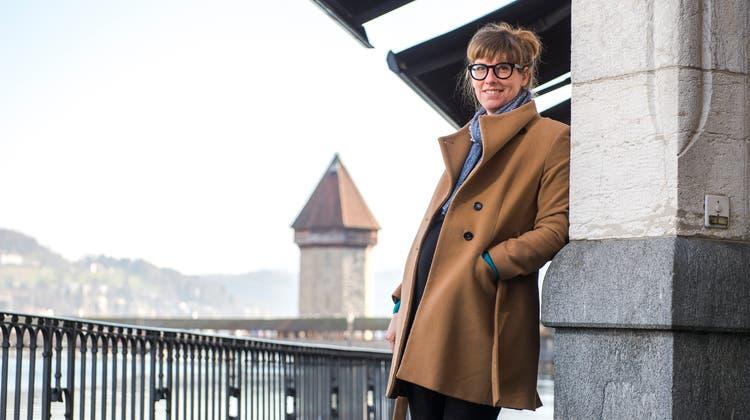 Die gebürtige Werthensteinerin Corina Schwingruber an der Reuss in Luzern. (Bild: Dominik Wunderli, 21. Februar 2019)