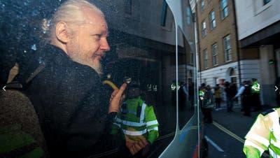 In diesem Gebäude lebte Assange sieben Jahre: dieecuadorianische Botschaft in London. (Bild: AP Photo/Matt Dunham)